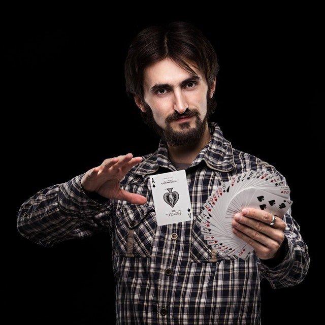 magician headshot Photo by Nikolay Ivanov from Pexels